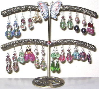No More Messy Earring Tangles with these Useful and Beautiful Earring Stands!
