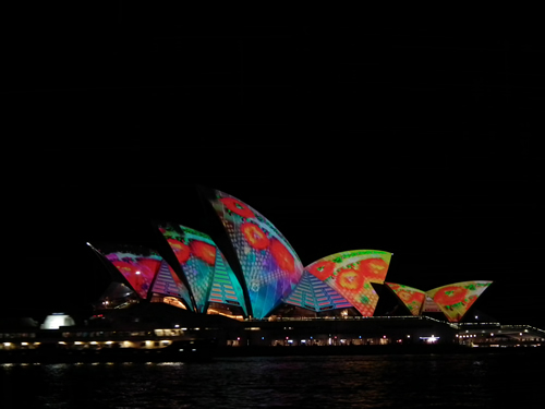 10 Tips for avoiding VIVID Sydney crowds and have fun