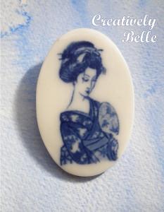 Geisha brooch, a study in contemplation
