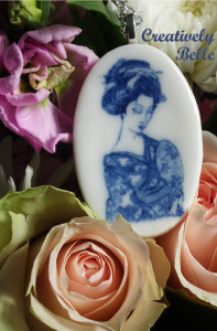 Ideal gift idea with this beautiful Geisha necklace