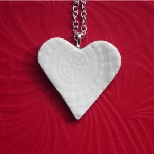 Porcelain heart for lovers of artisan quality