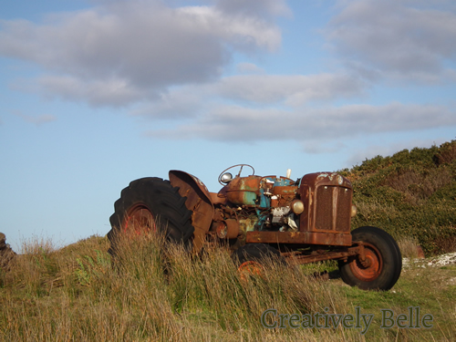 creatively-belle-rusting-tractor-tarkin-creative-inspiration-tasmanian-trip